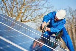 Własna mikroinstalacja receptą na rosnące rachunki za prąd. Jak przyspieszyć zwrot z inwestycji w panele?