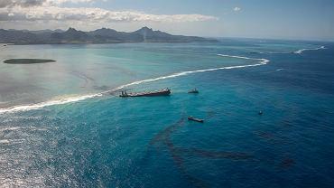 Mauritius. Wyciek ropy naftowej z tankowca.