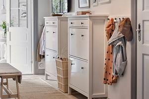 Jak optycznie powiększyć mały przedpokój? Jak dobrać kolory, drzwi i dodatki?