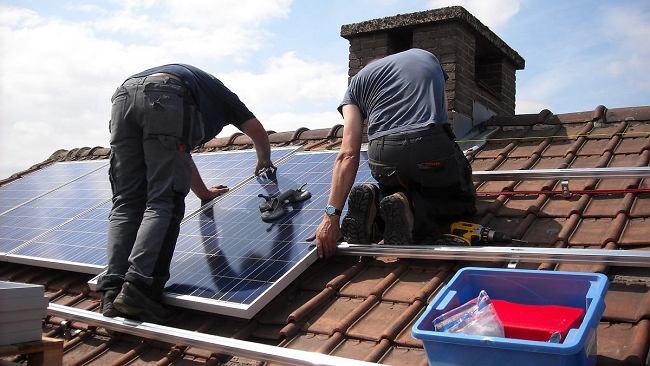 """""""Mój prąd"""" - zmiany w rządowym programie. Sami możemy zakładać panele słoneczne"""