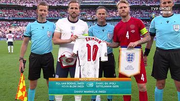 Kane i Kjaer przed meczem Anglia - Dania