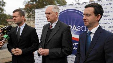 Kamil Bortniczuk (z lewej) z Jarosławem Gowinem i Marcinem Ociepą