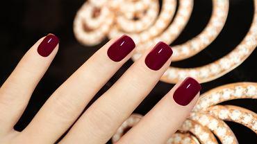 Błędy w manicure, przez które jest nietrwały. Sprawdź, czy ich nie popełniasz