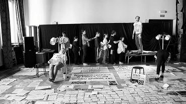 Teatr Soho. Próba nowego spektaklu Teatru 21 o proteście rodzin osób niepełnosprawnych