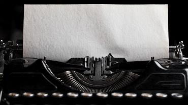 Zanim pisarz zamieni wenę na książkę, a książkę na pieniądze, mijają lata. O ile w ogóle się to wydarzy