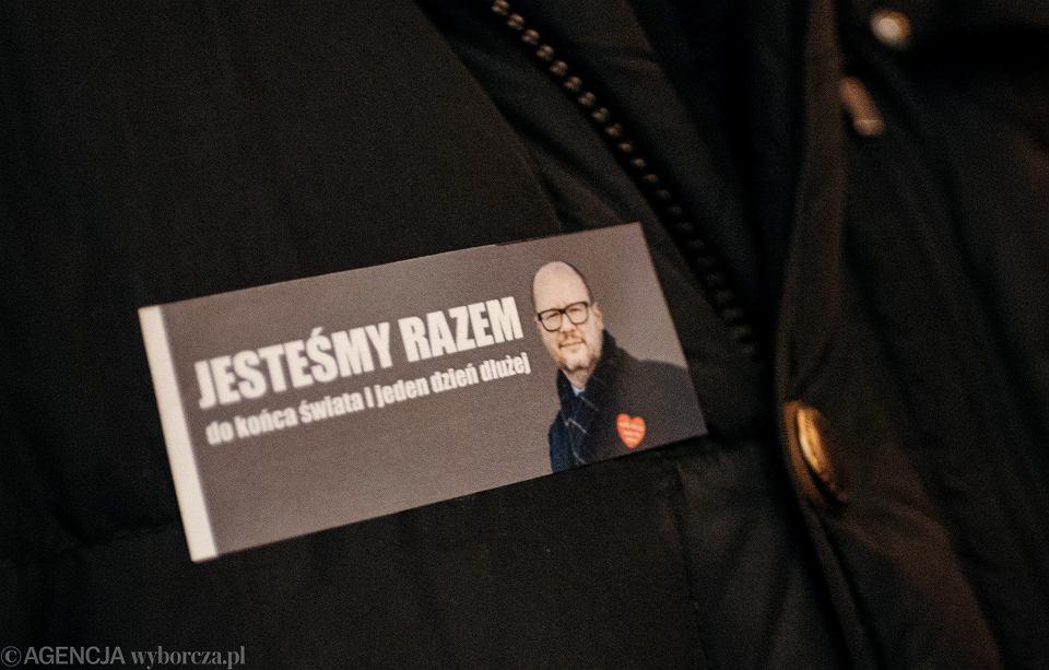 Spotkanie pod pomnikiem Neptuna w geście solidarności z rodziną i bliskimi prezydenta Pawła Adamowicza, Gdańsk 14.01.2019