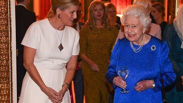 Królowa Elżbieta II ogląda 'The Crown'. Co myśli o serialu?