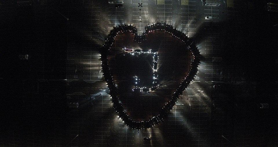 Serce z samochodów wykonane przez ekipę Mercedes Lovers Garage