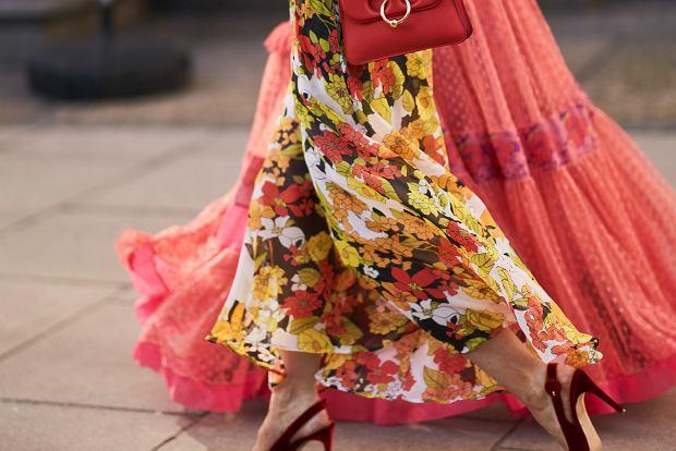 sukienki w kwiaty na jesien