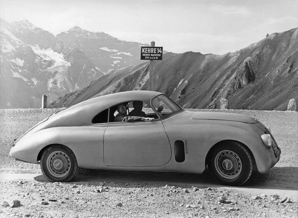 Samochód coupe Gerharda Machera