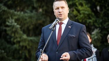 Przemysław Czarnek skrytykowany przez Roberta Biedronia