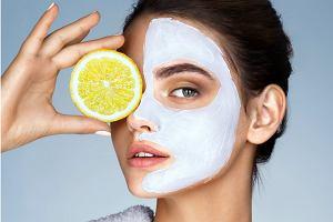 5 sposobów na przebarwienia na twarzy. Serum z witaminą C 15% ujednolici koloryt i wygładzi zmarszczki
