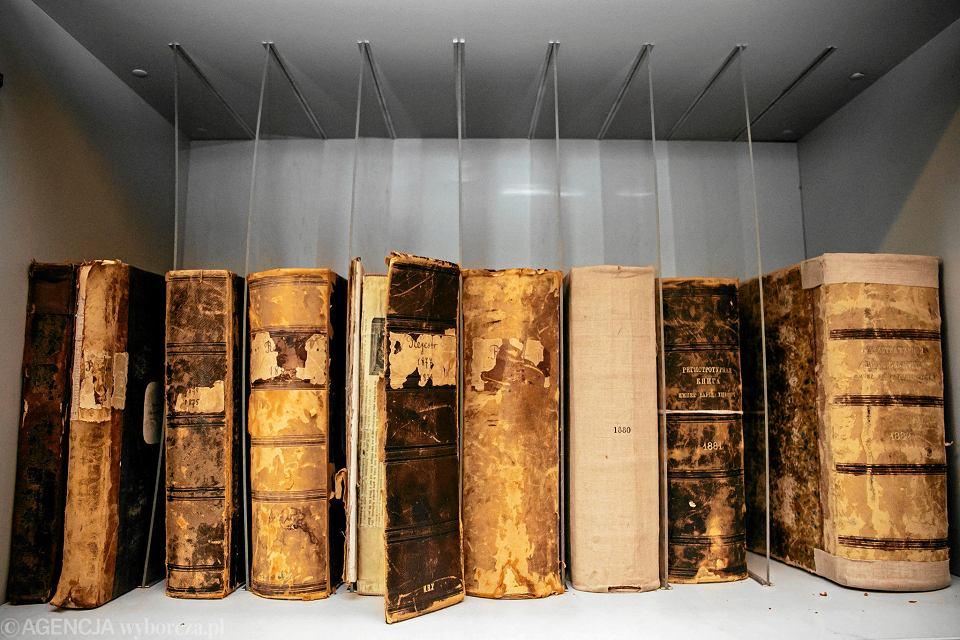 Zdjęcie numer 6 w galerii - Jaka książka nosi nr 1, co kryje się w skarbcu i inne tajemnice BUW-u na Powiślu