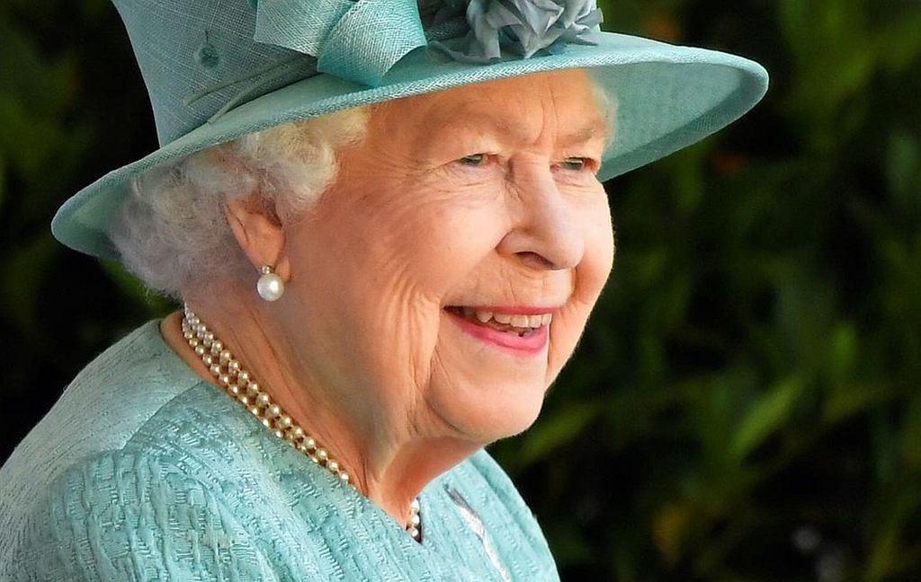 Królowa Elżbieta II szuka asystenta