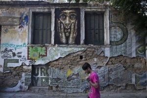 """Tak wygląda kryzys. Niesamowite graffiti powstają w Atenach. """"Europa bez Grecji jest jak impreza bez..."""""""