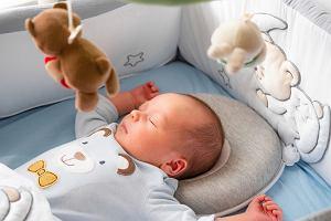 Poduszka dla niemowlaka - potrzebna czy niebezpieczna?