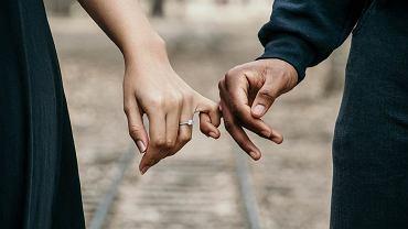 5 bzdur, w które wierzysz wracając do swojego eks. Dobrze je zapamiętaj (zdjęcie ilustracyjne)