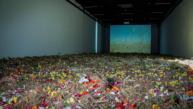 Przeminie z trawą. Wystawa prac Christiana Boltanskiego [RECENZJA]