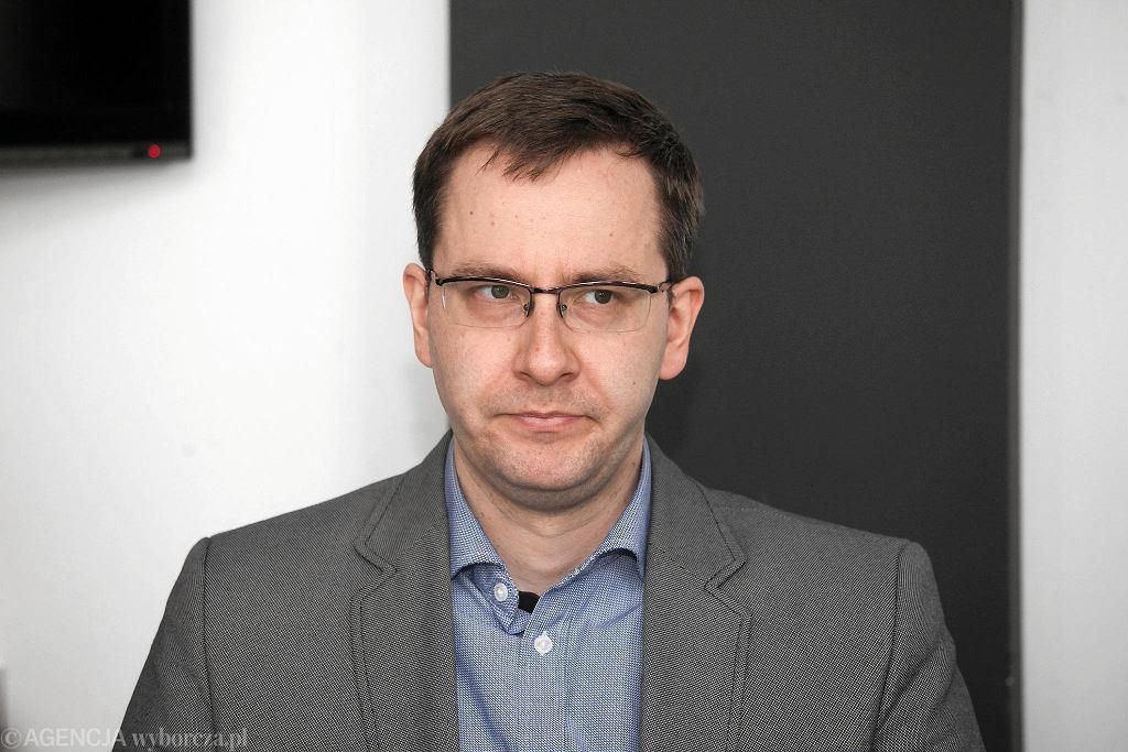 Tomasz Winiarski, kierownik szkolenia praktycznego w Elektronicznych Zakładach Naukowych