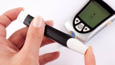 Dzięki powszechnie dostępnym aparatom, samemu można zmierzyć m.in. poziom cukru we krwi