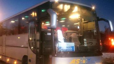 Zdjęcie autokaru po wycieczce szkolnej