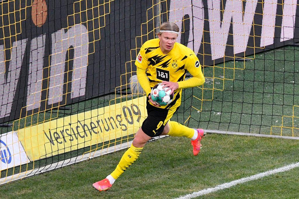 Erling Haaland rozbłysnął w Borussii Dortmund nawet szybciej niż Robert Lewandowski