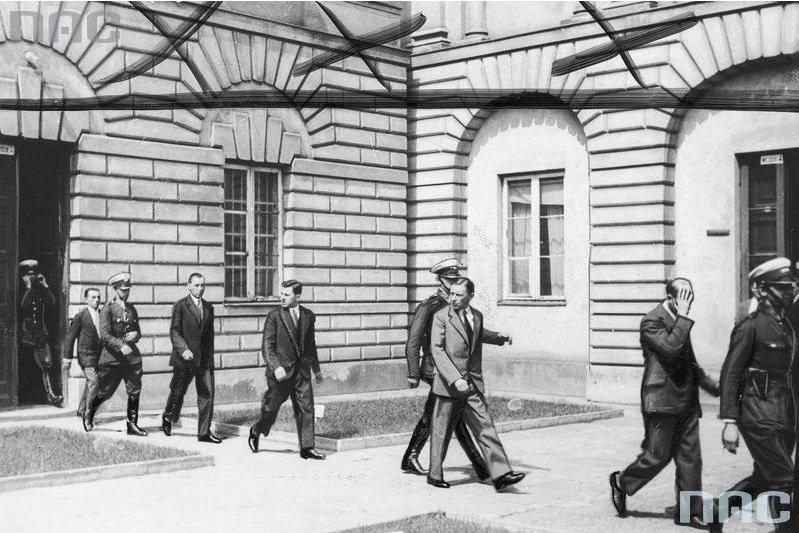 Członkowie gangu z warszawskiego targowiska Kercelak, którzy pod wodzą Łukasza Siemiątkowskiego (Tata-Tasiemka) 1932 r.