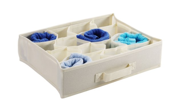 Pudełko z przegrodami Jysk, organizacja ubrań