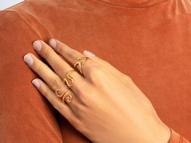 delikatne pierścionki - kolekcja Zodiac marki Yes