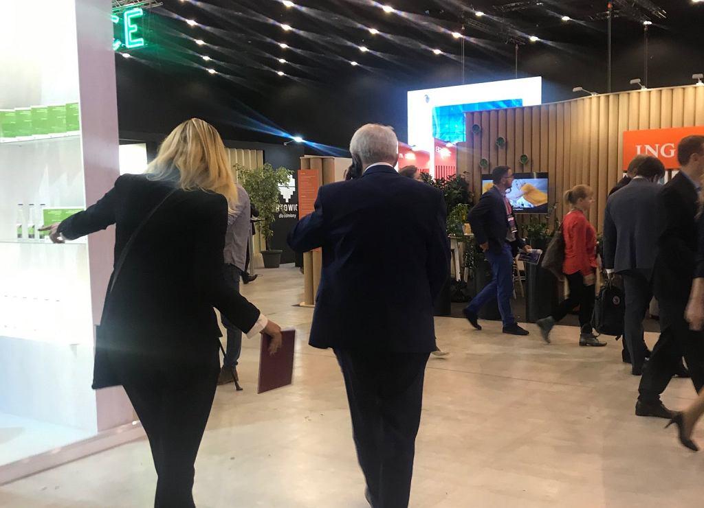 Minister ucieka przed dziennikarzami