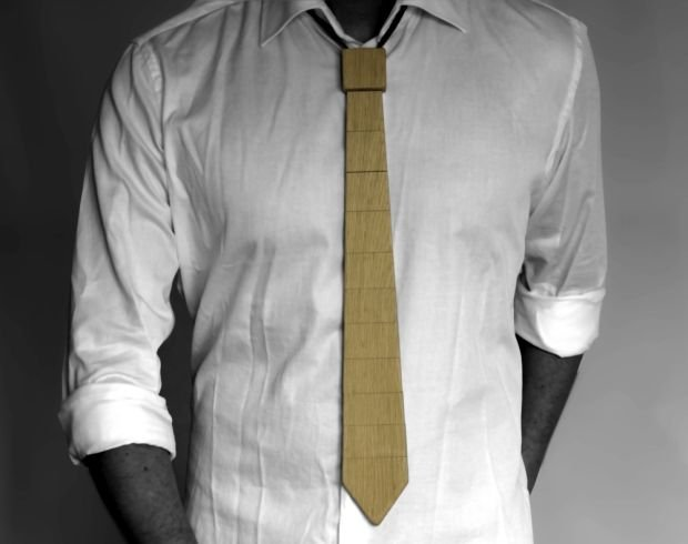 Hit: krawat z drewna