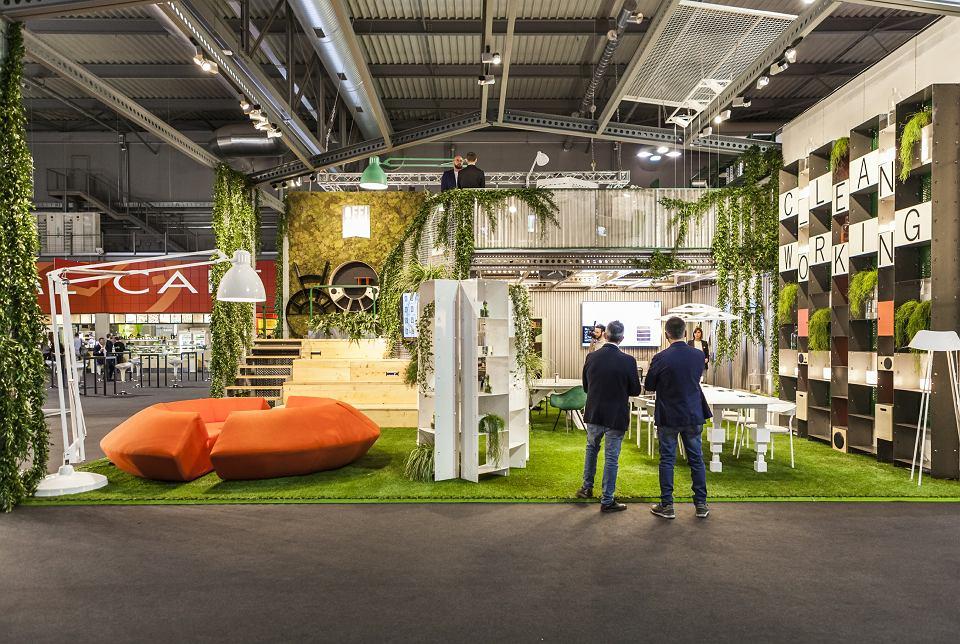 Salone del mobile w Mediolanie, instalacja Joyful Sense at Work - projekty biur przyszłości