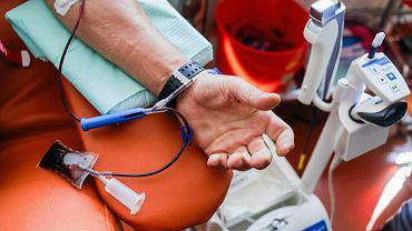 Pobieranie krwi (zdjęcie ilustracyjne)