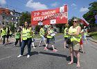 """Protest inspekcji weterynaryjnej we Wrocławiu. """"Obiecanych pieniędzy nie ma, ale na 500+ jest"""""""