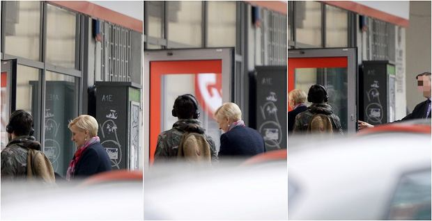 Zdjęcie numer 3 w galerii - Agata Duda z BOR-em na zakupach w Rossmannie. Wywołała spore zamieszanie!