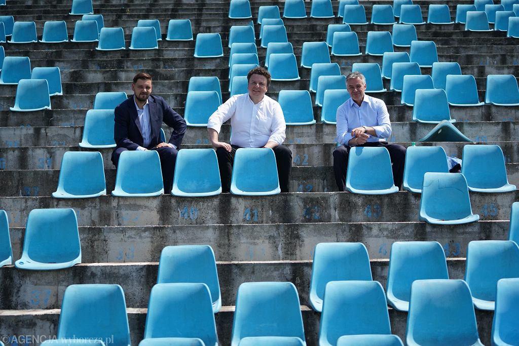To już jedne z ostatnich zdjęć stadionu Wisły przed przebudową. Na trybunach Tomasz Marzec, Jacek Terebus i Jacek Kruszewski