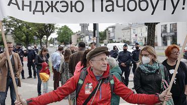 Protest przed ambasadą Białorusi w Warszawie  zorganizowany przez Stowarzyszenie Gazet Lokalnych, 28 maja 2021 r.