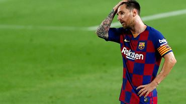 Leo Messi miał w minionym sezonie bardzo wiele powodów, by łapać się za głowę. I ma dość Barcelony