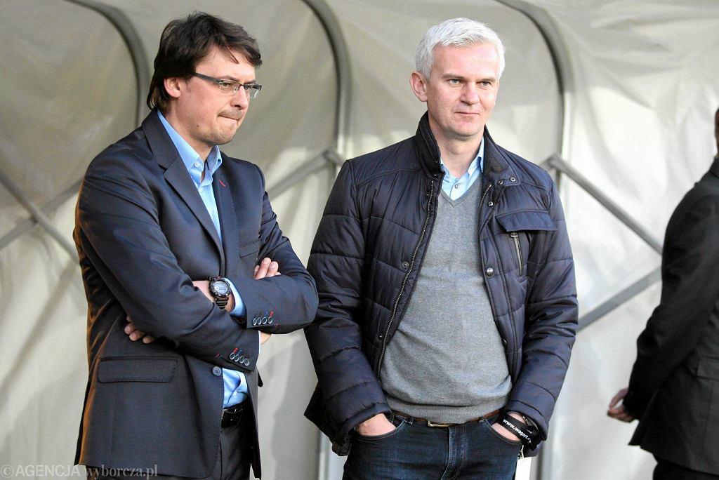 Jacek Magiera (po prawej) i trener Motoru Tomasz Złomańczuk