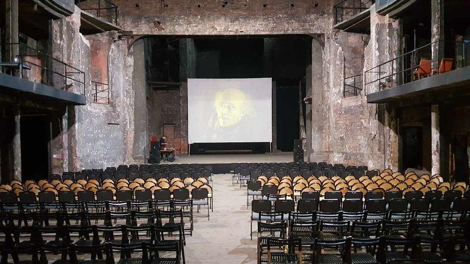 Festiwal elektrONarracje w ruinach teatru Victoria w Gliwicach