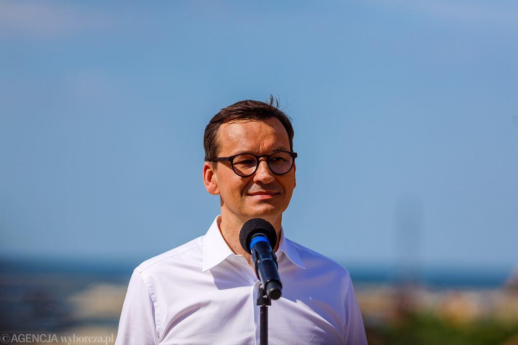 fWizyta prezydenta Andrzeja Dudy i premiera Mateusza Morawieckiego na terenie przekopu Mierzei Wislanej