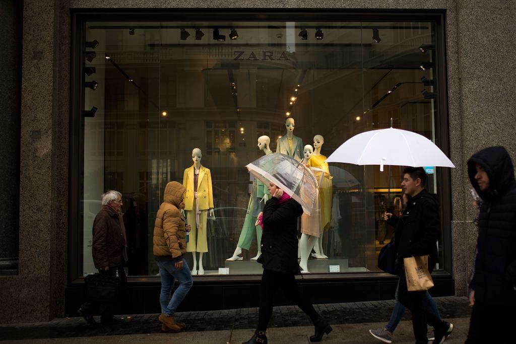 Właściciel sieci Zara ma problem z handlem w sieci