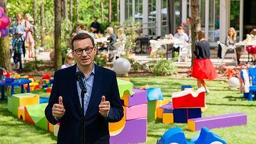 Premier Mateusz Morawiecki na pikniku poświęconym 'Rodzinnemu Kapitałowi Opiekuńczemu'