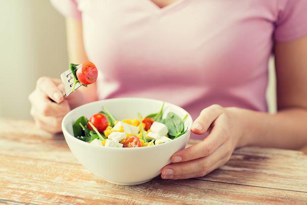 Dieta przed ciążą i suplementacja. Co trzeba wiedzieć?