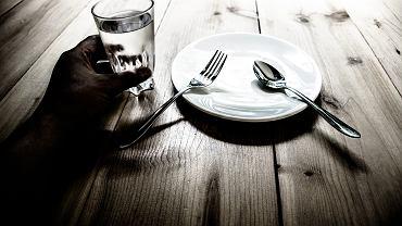 Dieta dr Ewy Dąbrowskiej to dwuetapowy program, którego celem jest oczyszczenie organizmu z toksyn. Zdjęcie ilustracyjne