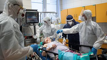 Pandemia koronawirusa. Pacjenci i medycy w Samodzielnym Publicznym Szpitalu Klinicznym nr 4 w Lublinie, 1 czerwca 2020