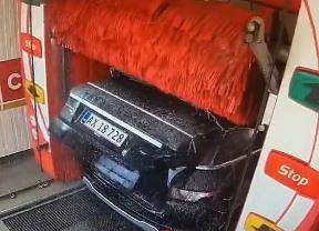 Myjnia samochodowa kontra Range Rover