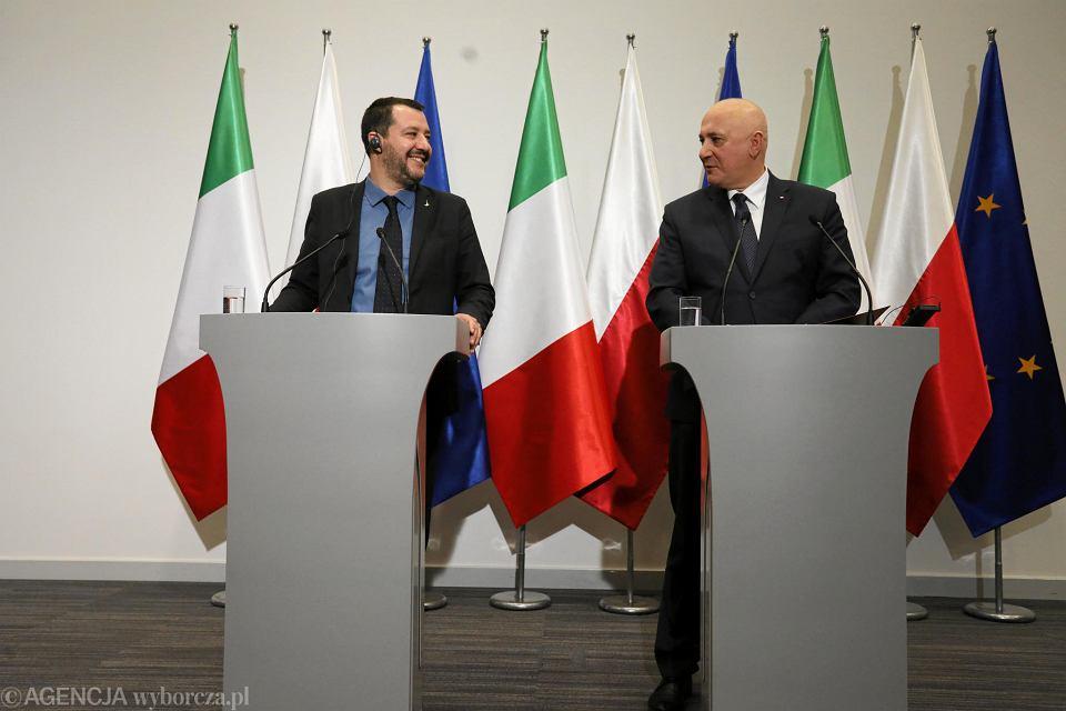 9.01.2019, Warszawa, wspólna konferencja prasowa ministrów spraw wewnętrznych Włoch i Polski -  - Matteo Salviniego i Joachima Brudzińskiego.