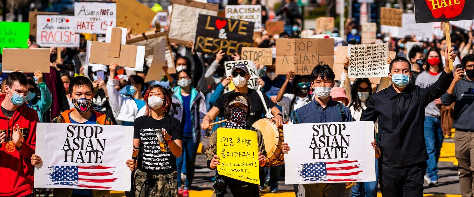 W Stanach Zjednoczonych rośnie agresja wymierzona w Amerykanów o azjatyckich korzeniach. Półtora wieku temu działo się dokładnie to samo. (Fot. bgrocker/Shutterstock.com)