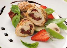 Roladki z kurczaka z pesto i suszonymi pomidorami - ugotuj